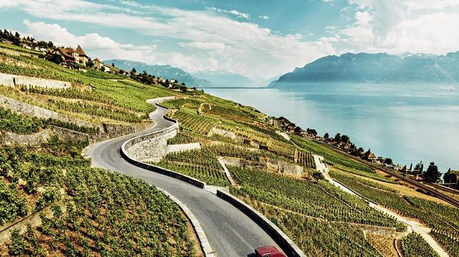 Hike through the Lavaux Vineyards – 15 October